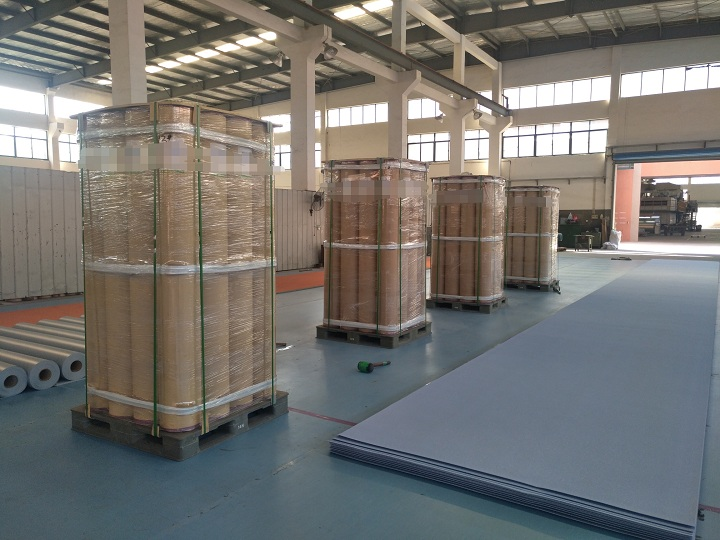 20000 Sqm Homogeneous Vinyl Roll Flooring Is Loading For